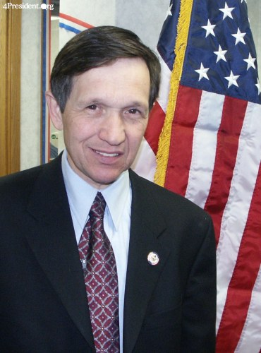 Dennis Kucinich at Iowa Headquarters Grand Opening